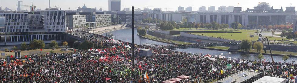 Der gefüllte Washingtonplatz - (C) REUTERS/Fabrizio Bensch