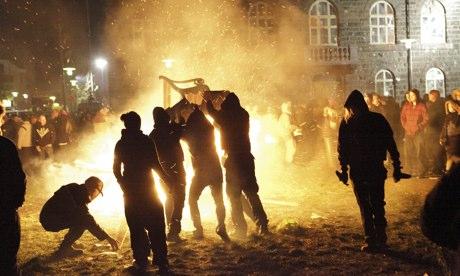 Icelanders Protest Financial Crash
